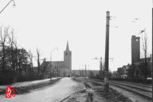Lammenschansweg met Petruskerk en Zuiderkerk